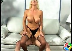 Hot MILF still loves having hardcore sex