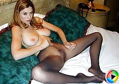 Jamie lynn strips off her pantyhose and gives intense Jack Off instructions