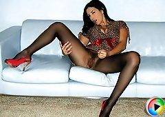 Jelena Jensen teases in her pantyhose and gives you loving jackoff encouragement